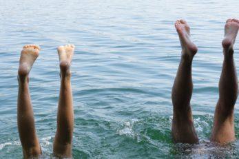 Wer zu lange badet, den erwartet schrumpelige Haut