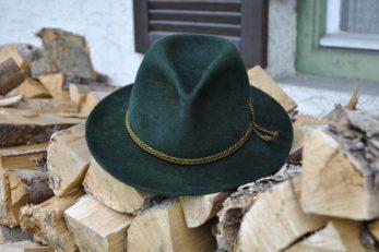 Auf der Städtereise nach München darf der grüne Hut nicht fehlen