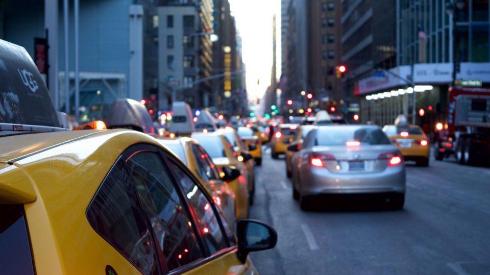 Auf den ersten Blick lassen sich die Hersteller heutiger Autos kaum auseinanderhalten