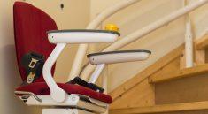 Ein Treppenlift erleichtert vielen Menschen den Alltag