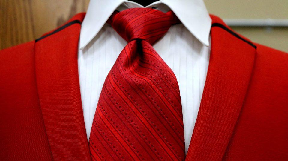 Wer seine Krawatte binden kann, der ist im Business angekommen