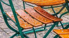 Wetterfeste Gartenmöbel halten in der Regel deutlich länger