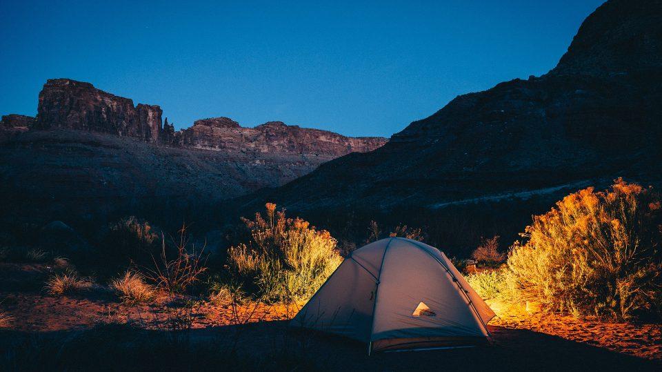 Camping ist wohl der Inbegriff von günstig reisen