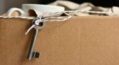 Wer günstig umziehen möchte nutzt gebrauchte Pappkartons als Umzugskartons