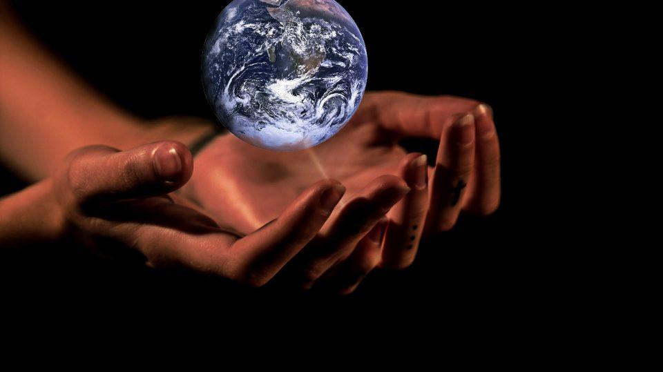 Während es die einen bestreiten, sind die anderen fest von der Existenz von Gott überzeugt