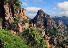 Es gibt viele Orte, an denen man auf Korsika klettern gehen kann