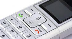 Sehr praktisch: ein schnurloses Telefon kann auch im Garten genutzt werden