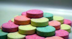 In der Apotheke gibt es diverse Tabletten und Medikamente gegen Sodbrennen