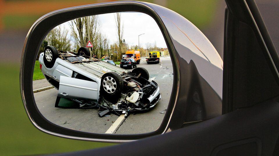 Bei einem Unfall mit dem Auto gibt es einiges zu beachten