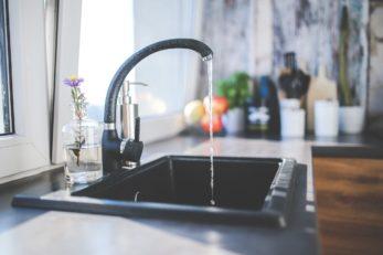 Wasser sparen indem man fließendes Wasser vermeidet
