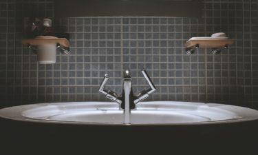 Was ist bei der Renovierung des Bades zu beachten? – DIY vs. Profi