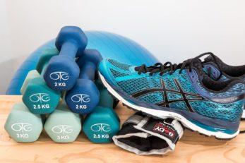 Sportübungen für Zuhause verzichten auf große Sportgeräte